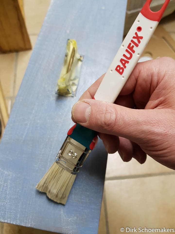 Lasieren einer Schublade mit Baufix Antik Öl